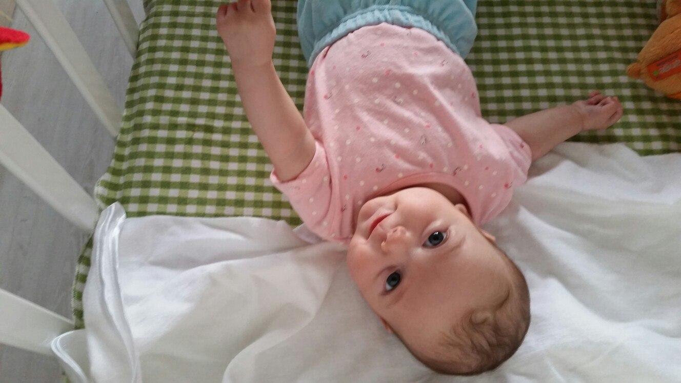 Младенец - девочка 3,5 месяца  хочет принять участие в съемке!