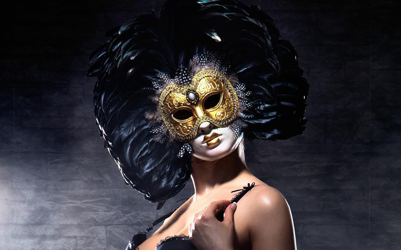 Поиск моделей на фото сессию в маске