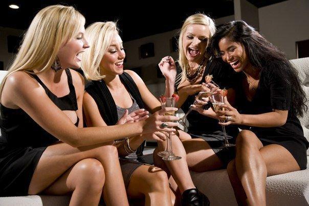 В клуб ТОП - уровня нужны девушки модели за МОДЕЛЬНЫЙ СТОЛИК