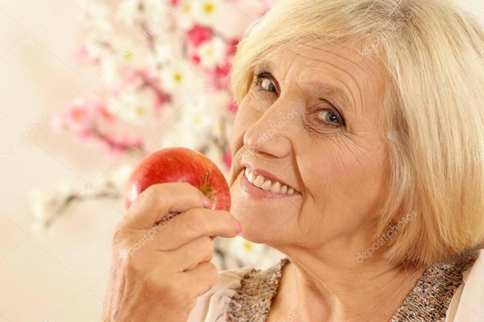 тяга к женщинам зрелого возраста совершенно выглядит