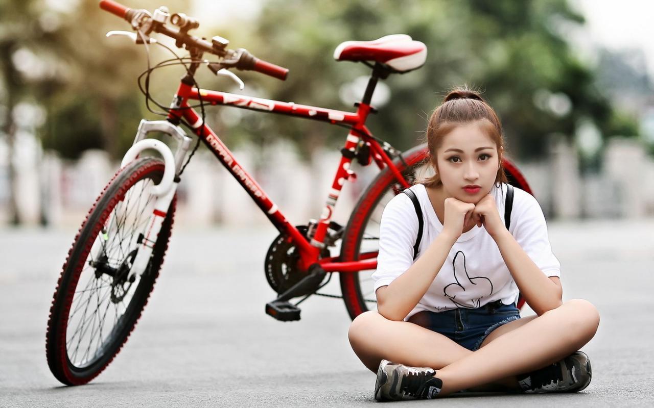 Срочно нужны спортивные девушки для рекламы магазина спортинвентаря