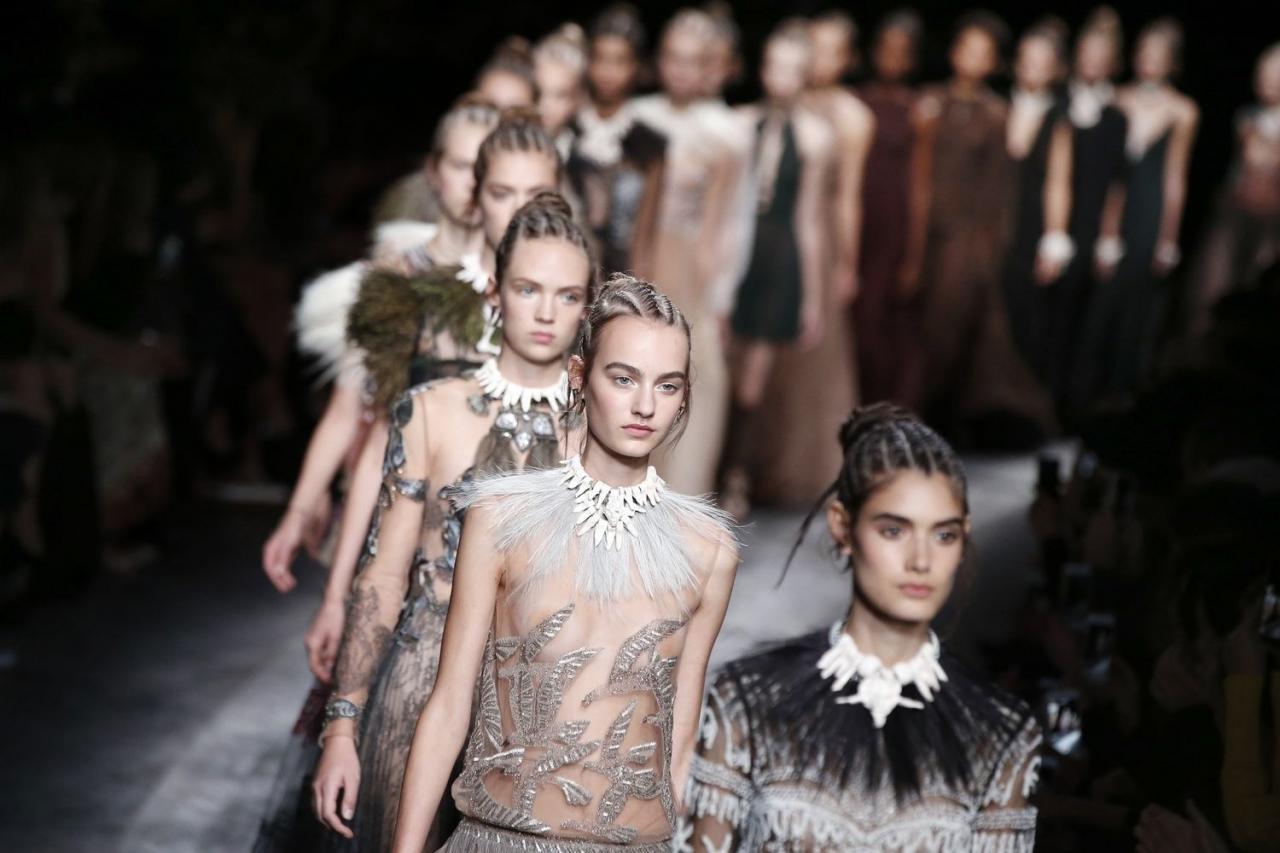 Ищем девушек модельной внешности для рекламы ювелирного холдинга