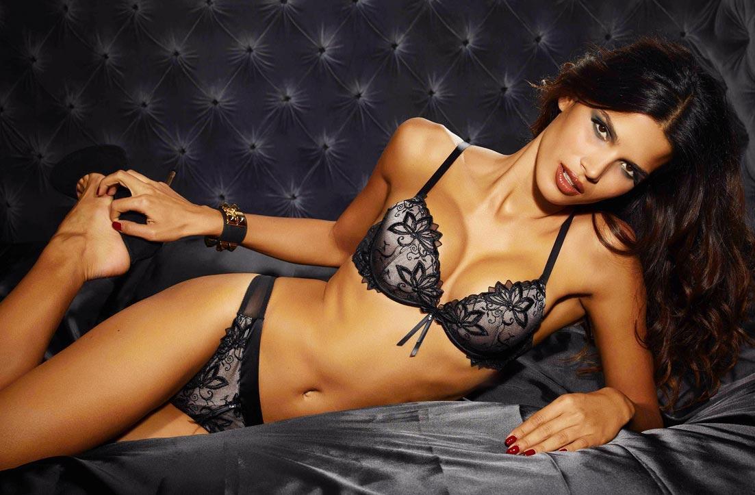 Срочно нужны девушки-модели для рекламы купальников и нижнего белья.