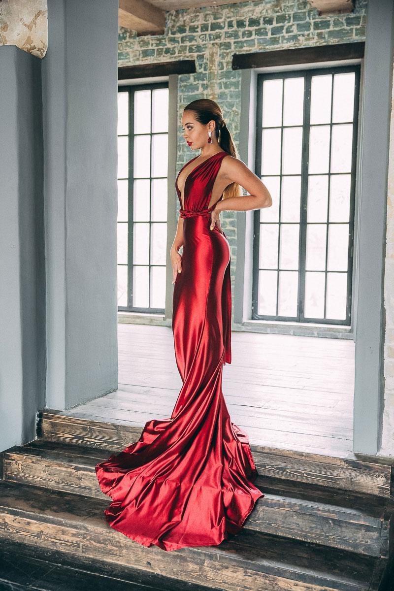 Съемки рекламы шелковых платьев