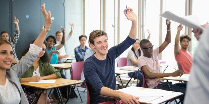 Студентам и старшеклассникам. Съемка ролика в в аудитории института. (18 ноября, 4 часа)