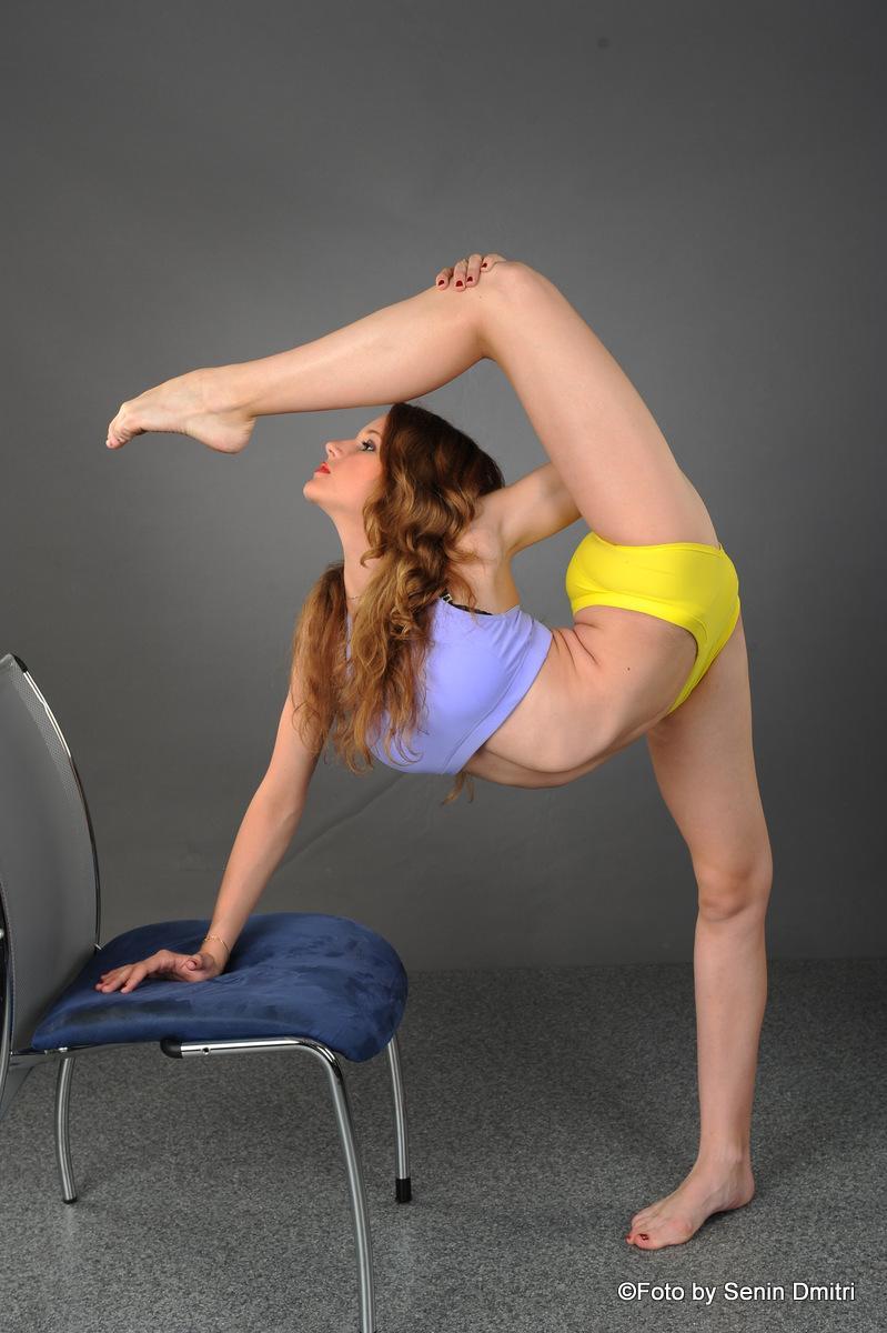 В новый интернет проект требуются модели девушки  с проф гимнастической подготовкой