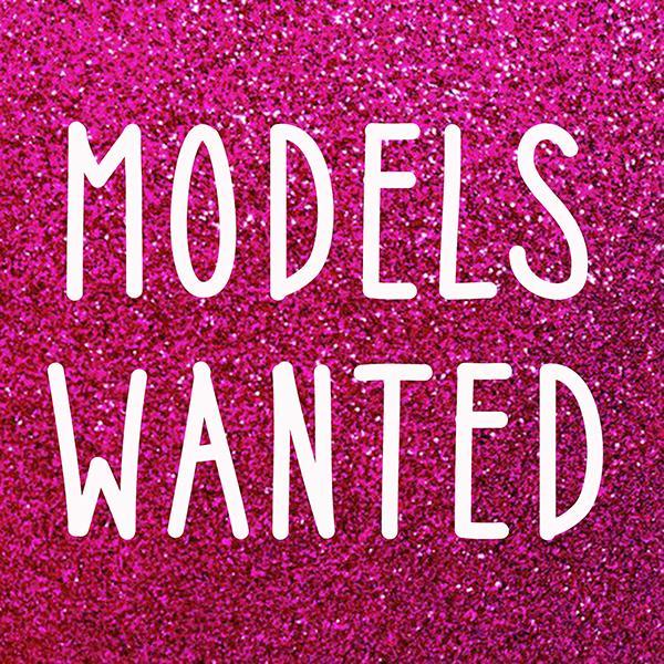 Требуются девушки-модели 18-24 лет с привлекательной внешностью и стройной фигурой.