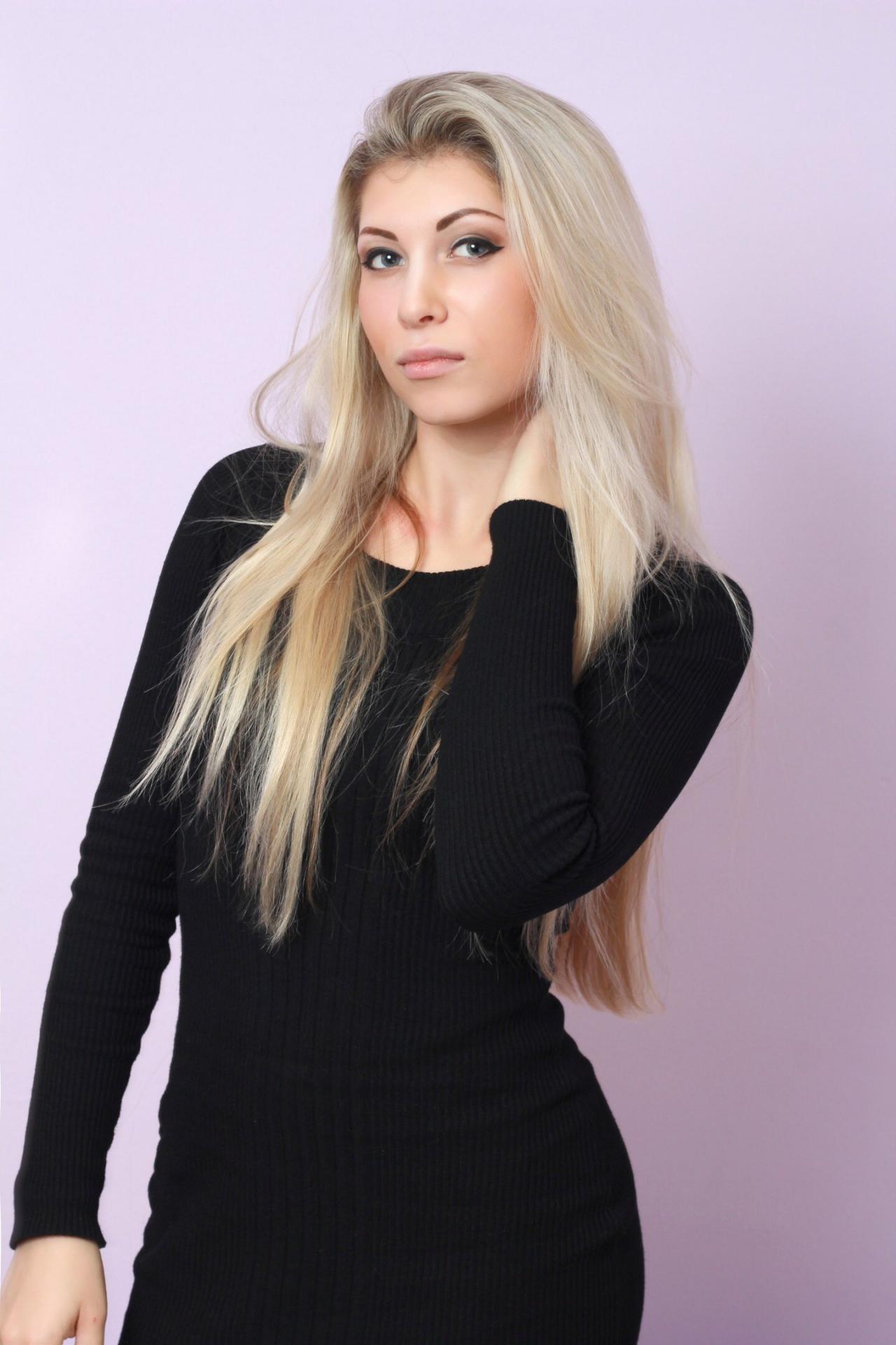 Работа моделью в москве для подростков девушка для работы симферополь