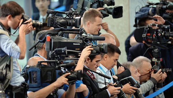 18 декабря, журналисты и операторы