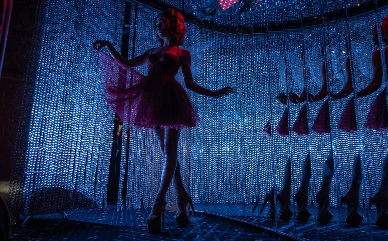 Приглашаем танцовщиц Go-Go, Pole Dance, Pole Exotic, Erotic Dance и всех желающих девушек без опыта в танцах к нам на работу в ночной клуб Golden Girls