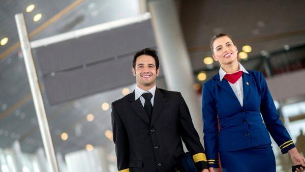 Пилоты и стюардессы