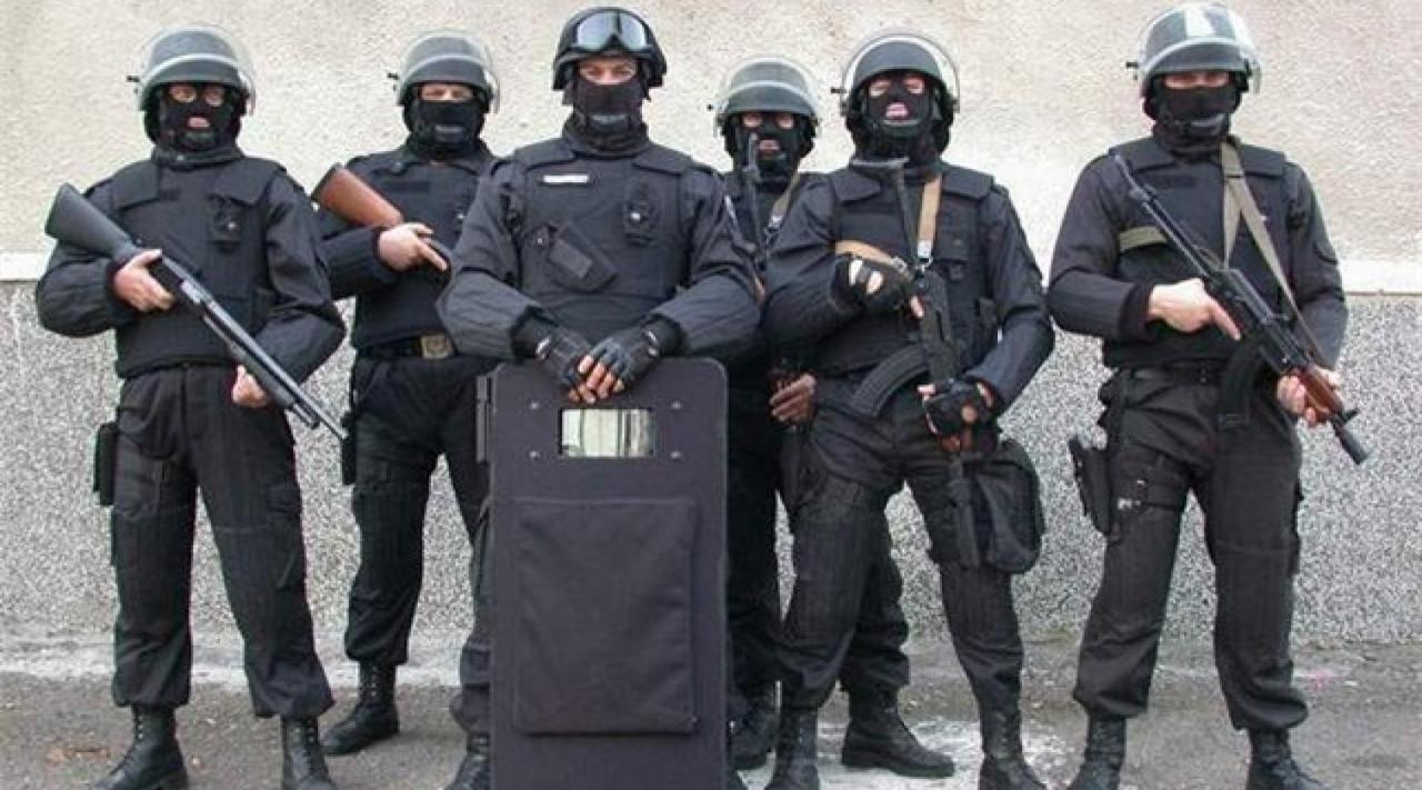 Спецназ, мужчины 30-40 лет