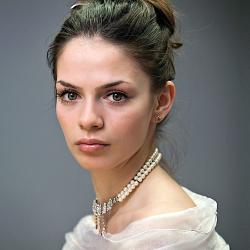 Натали Лион